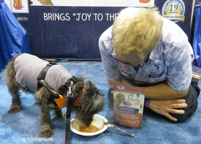 oz drinking supergravy at global pet expo orlando florida
