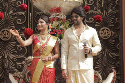 Yash-and-RadhikaPandit-Marriage-Reception-Stills-4