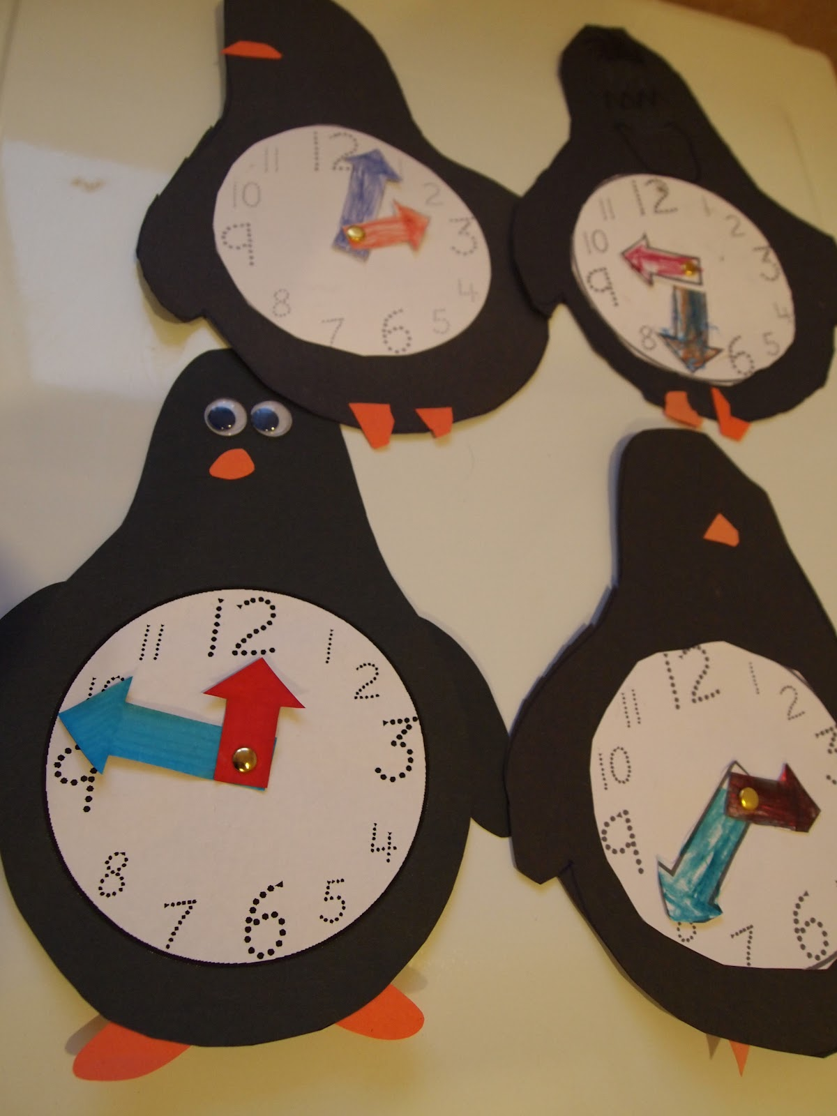 Travel Teach And Love Penguin Clocks