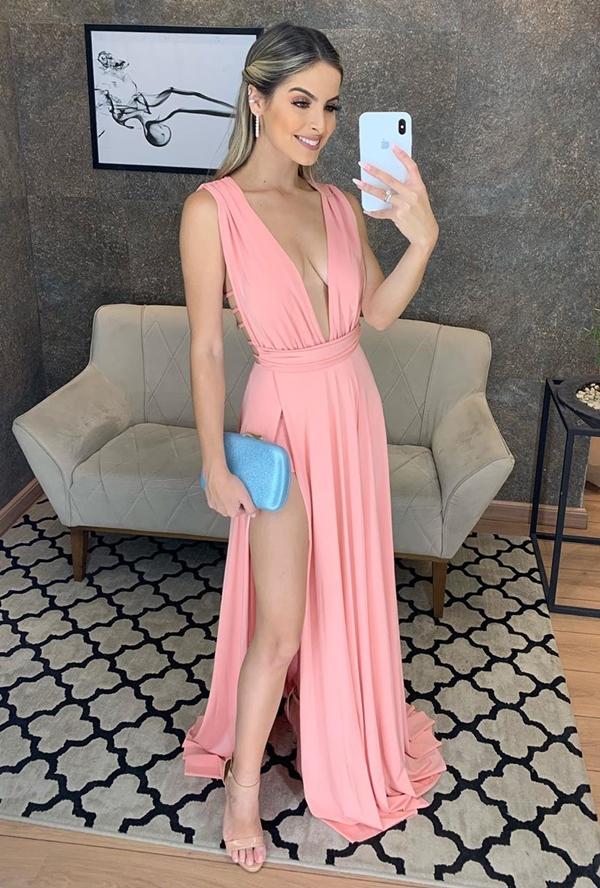 vestido longo rose com fenda para casamento