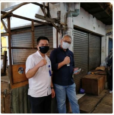 Peduli Dampak Covid-19 BRI Bagikan Masker Untuk Pedagang Pasar Singosari