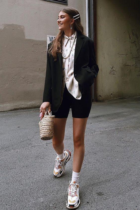 Combo favorito: blazer + biker shorts