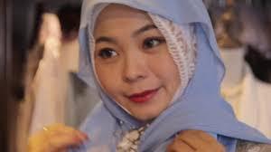 Karena Menggunakan Hijab Muslimah Cina Ini Dikatai Gila