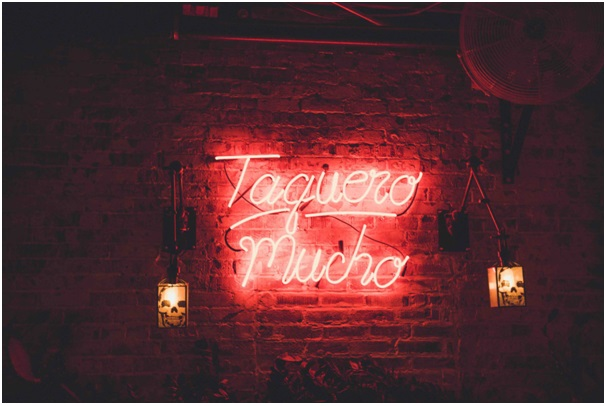 Tips to Choose the Best Neon Signs for Business