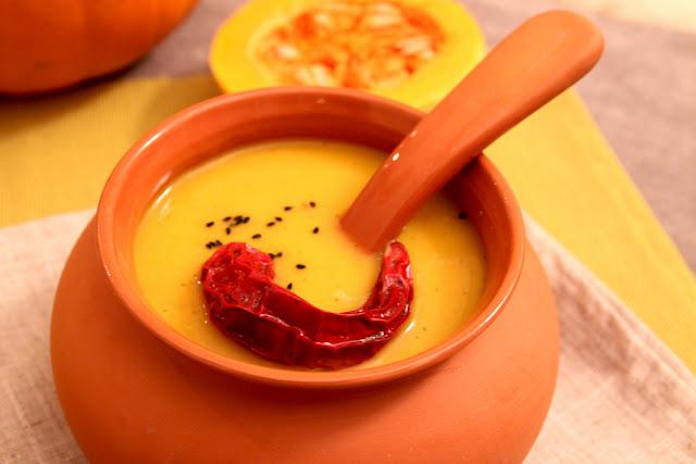 Pikantna zupa z dyniowa