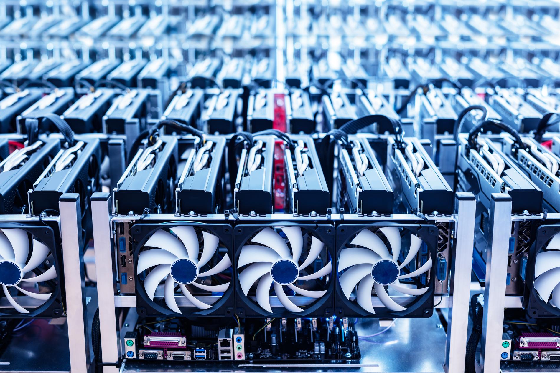 Mesin (Mining) Penambangan Bitcoin Terbaik (Perbandingan Keuntungan ASIC)