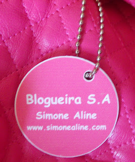blogueira s.a., chaveiro personalizado, adesivo personalizado