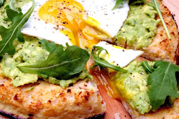 Cauliflower Crust Pizza with Avocado & Egg