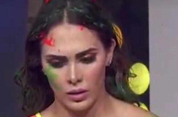 ¿Y ese pañal?' Le llueven burlas a la actriz Macky González por lucir extraño traje de baño