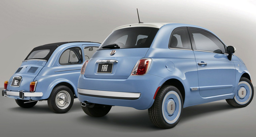 Original version of Fiat 500 with 2014 version.