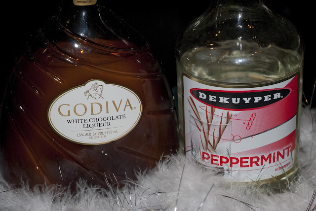polar freeze, christmas cocktail, winter cocktail, Godiva white chocolate liqueur, peppermint schnapps