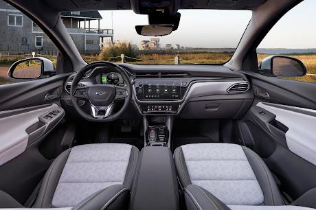 Chevy Bolt EUV interior