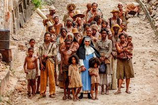 Em homenagem à canonização da primeira santa brasileira, 'Irmã Dulce' terá exibições na tv aberta e fechada