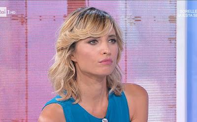 Monica Giandotti conduttrice TV bionda viso Unomattina 16 settembre