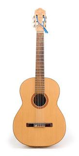 Sejarah gitar akustik dan perkembangannya