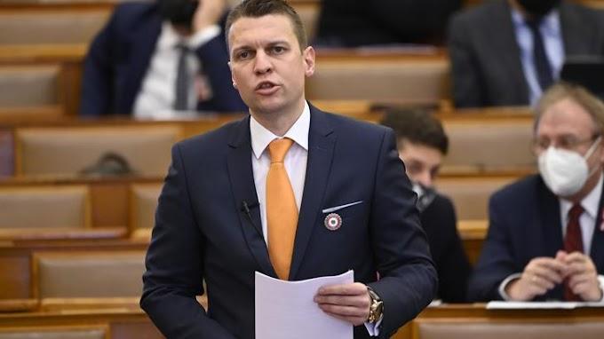 Menczer Tamás: a keleti vakcinák nélkül 500 milliárd forintot vesztett volna Magyarország