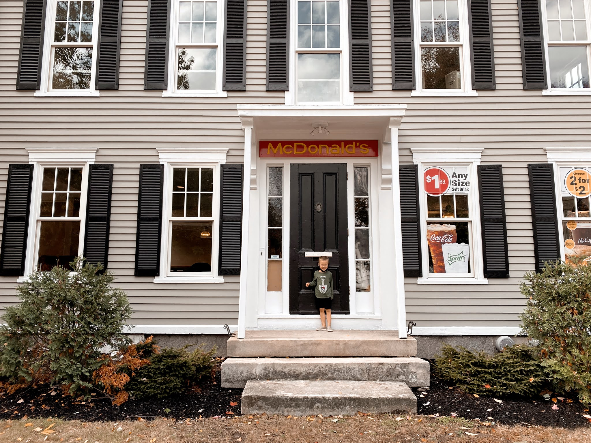 Freeport, Maine McDonalds in an 150-Year Old Mansion | biblio-style.com