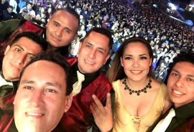 Foto de Los Villacorta en el escenario