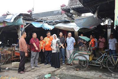 Tinjau Tiga Pasar Tradional, Ning Ita Temui Pedagang