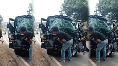 Laka Lantas! Pikap vs Truk di Jalan Purwakarta-Bandung, Mobil Sampai Ringsek