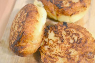 http://les-reveries-d-isisya.blogspot.com/2015/01/croquettes-de-pommes-de-terre-au.html