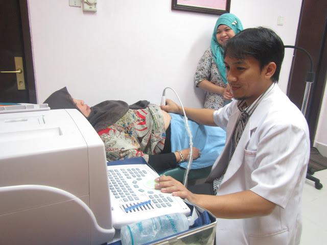 Wahai Muslimah, Waspada Jika Berobat ke Dokter Pria, Karena Seperti Ini Hukumnya Dalam Islam