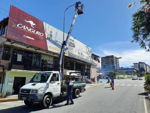 Alcaldía de Mérida instaló lámparas desde el Yuan Lin hasta el Mercado Principal