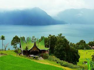 Danau Maninjau West Sumatera