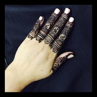 Mehndi fingers