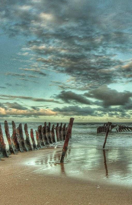 Shipwreck, Dickie Beach, Queensland, Australia