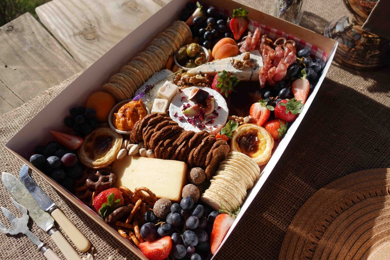 Q+A: DAYLESFORD GRAZING   WEDDING GRAZING TABLES + BREAKFAST HAMPERS VIC
