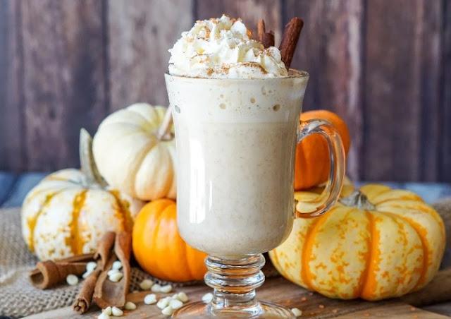Crock Pot Pumpkin Spice White Hot Chocolate #drinks #hotchocolate