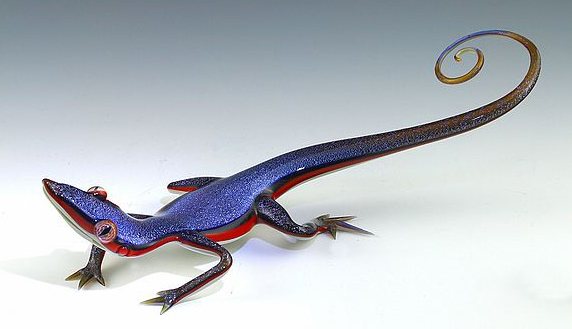 16-Blue-Skink-Scott-Bisson-Glass-Sea-and-Land-Animals-www-designstack-co