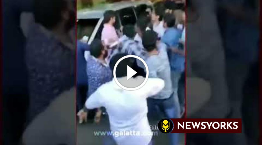 சற்றுமுன் ரசிகர்கள் கூட்டத்தில் மாட்டிக்கொண்ட நடிகர் விஜய் !!