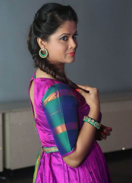 Beautiful Indian Television Actress Shilpa Chakravarthy In Pink Traditional Dress Actress Trend