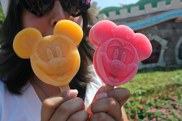 Tokyo Disneyland Mickie and Minnie Mouse Popsicles