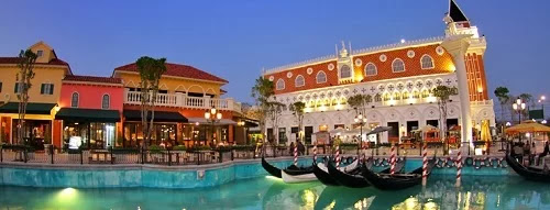 The Venezia Hua Hin is outstanding at night with bustling shopping areas.