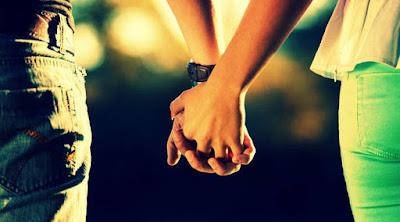 كيف تتحدث مع الفتاة التى تحبها لاول مره رجل يمسك يد فتاة امرأة man hold girl woman hand