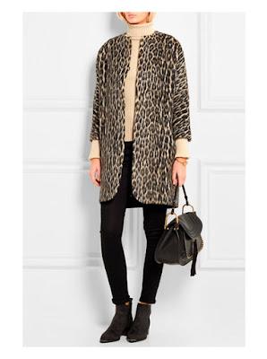 Пальто с леопардовым принтом в сочетании с джинсами и водолазкой