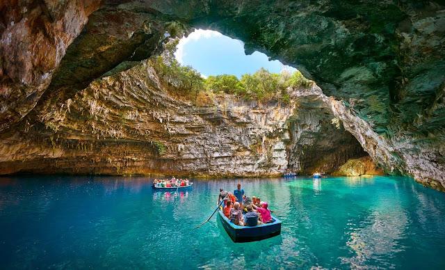 Lago Melissani em Kefalonia na Grécia