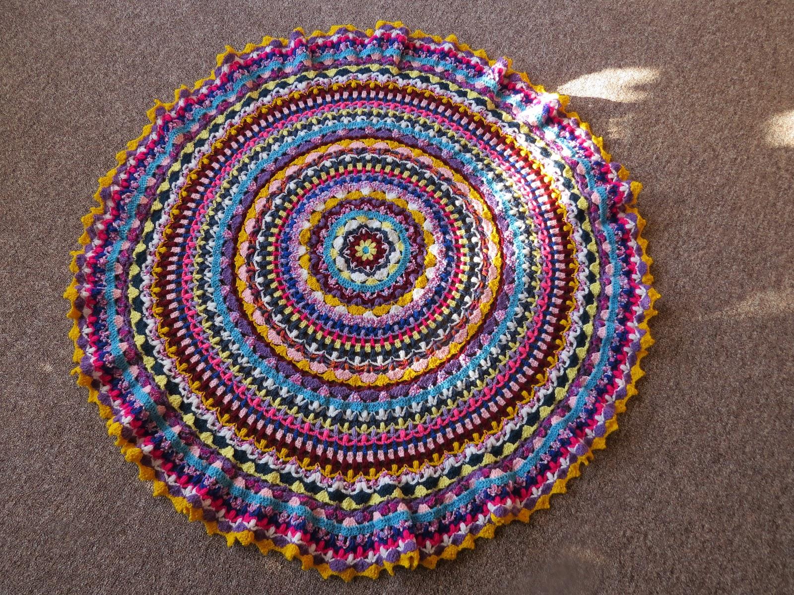 Lillyskleinehandarbeitswelt Mandala Tuch Gehäkelt