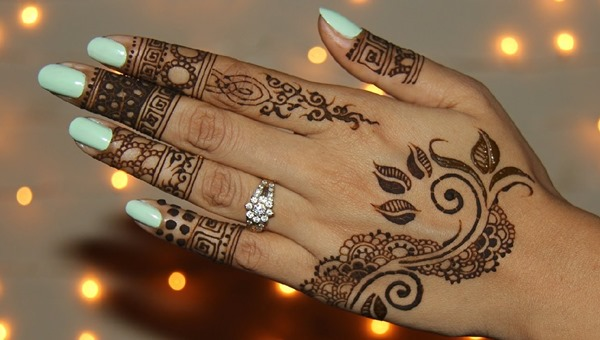 20+ Back Hand Mehndi Designs: Simple, Easy, Stylish & Beautiful
