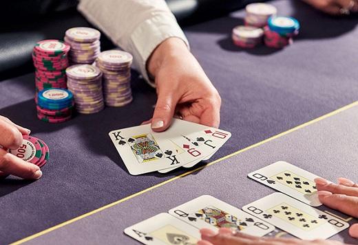 Còn nhiều thuật ngữ dùng trong Poker