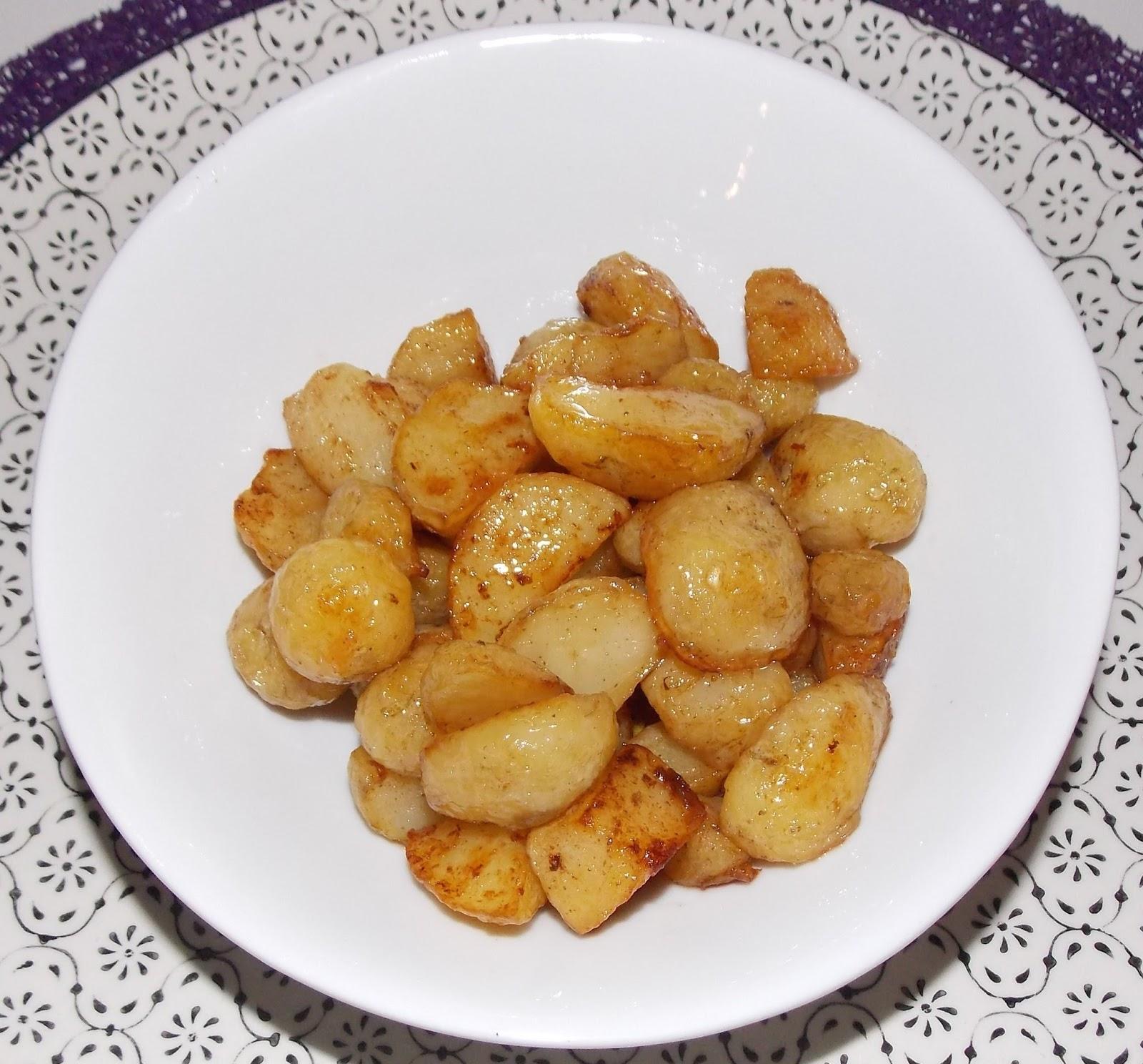 pommes de terre nouvelles rissolees au beurre demi sel. Black Bedroom Furniture Sets. Home Design Ideas