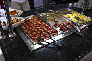 QSN: Excesivas grasas en desayunos buffet