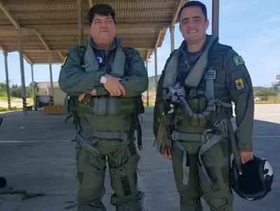 Datena se prepara para voar em caça da Marinha - Divulgação