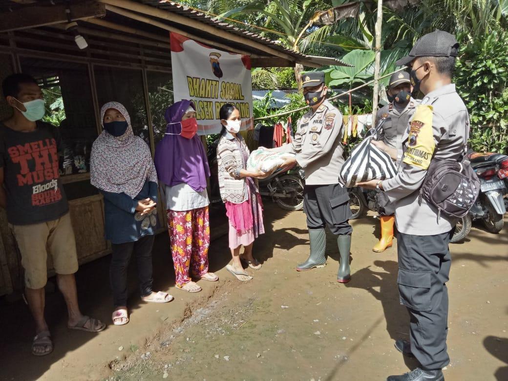 Polsek Rembang Bersama TNI dan Ormas Gelar Bakti Sosial