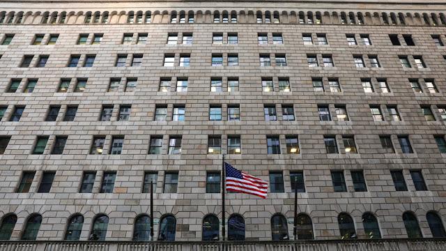 La Reserva Federal de EE.UU. toma medidas contra bancos de Puerto Rico tras las sanciones a Caracas