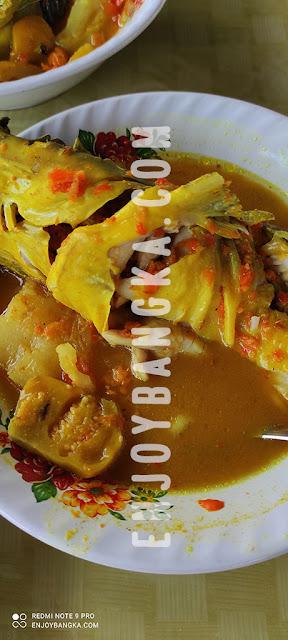 lempah-kuning-ikan-baung-enjoy-bangka