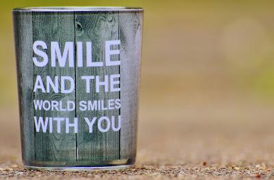 Sonríe y el mundo te sonreirá